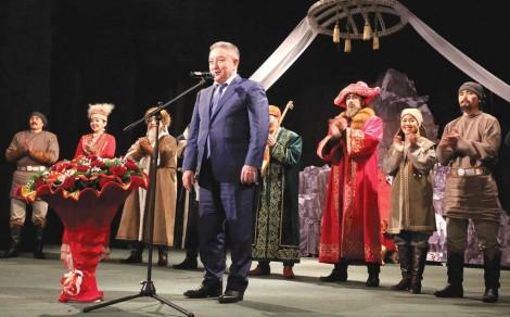 «Жастар» театрының тұсауы кесілді