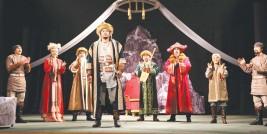 Первые шаги молодежного театра