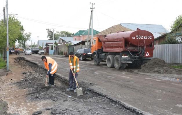 Начат ремонт дорог, идет озеленение