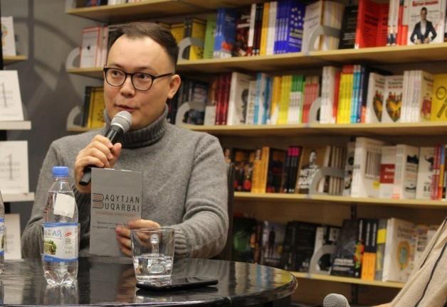 Бақытжан Бұқарбай Алматы облысындағы мектептерге 250 дана кітапты тарту етті