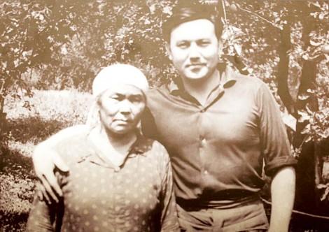 Лучистый образ своей мамы Елбасы пронёс  через всю жизнь